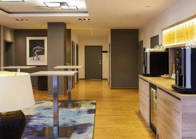 Hotel-Ibis-Utrecht-Meetingfoyer-ZichtvanRezeptie